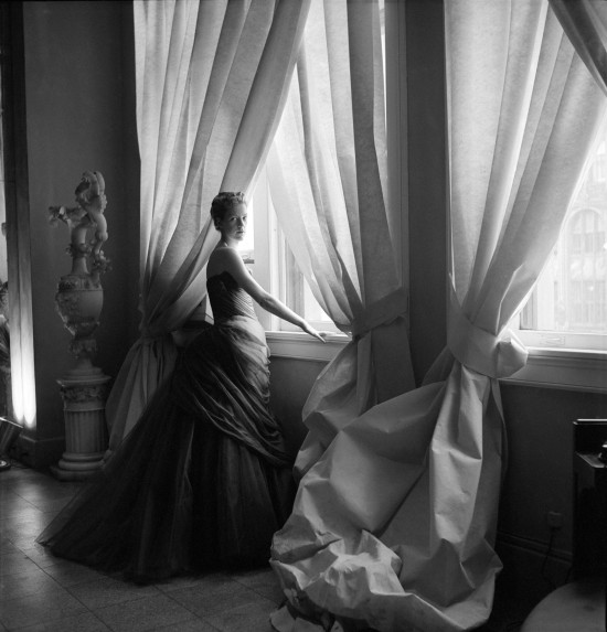 Nancy James in Charles James Swan Gown 1955