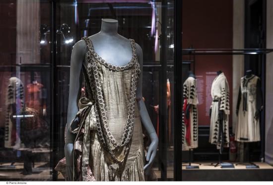 Jeanne Lanvin - Streamlline Silhouette with Lavish Embellishments